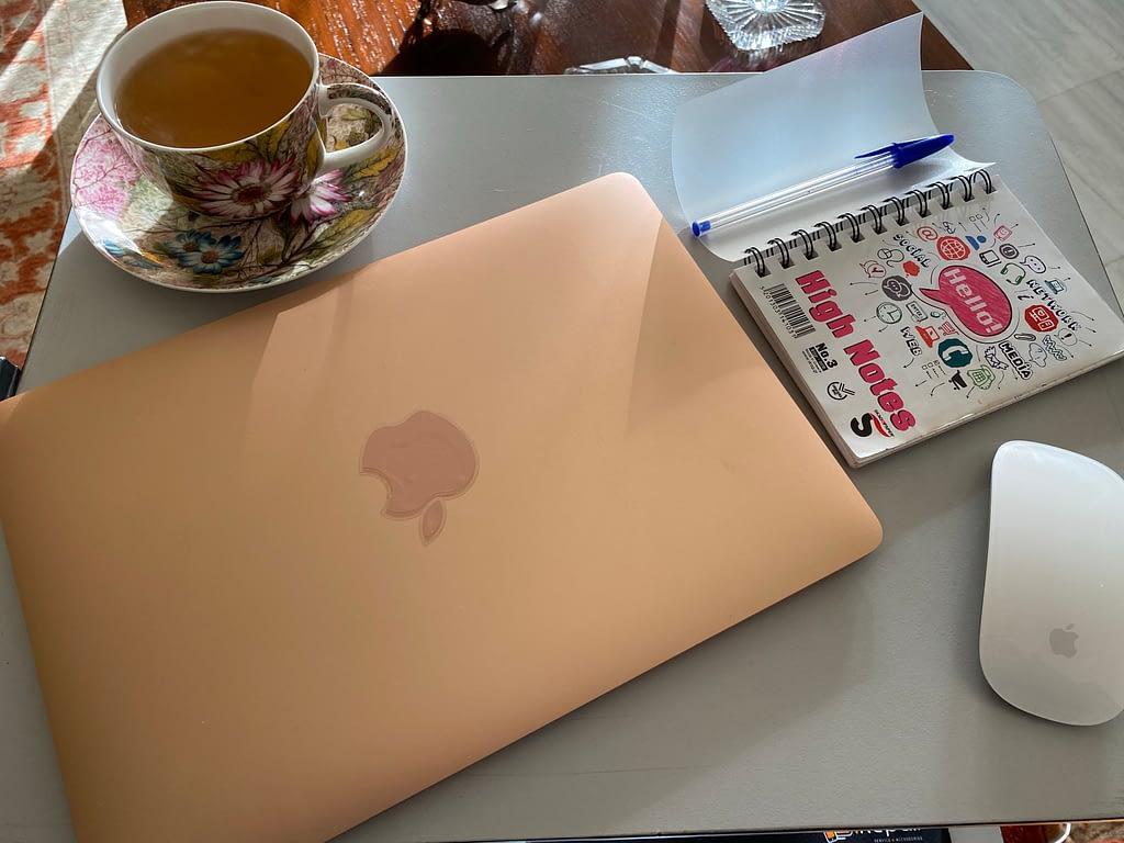 Δουλεύοντας από το σπίτι-Υπέρ και κατά!